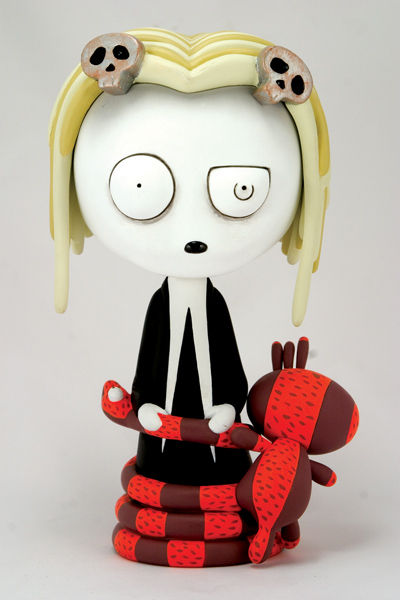 Lenore Vinyl Figure at TFAW.com :  toys goth roman dirge lenore